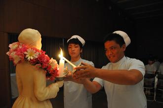 豊中看護専門学校で戴帽式|教育...
